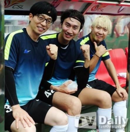 朴智星/从左至右,刘在石、李光洙、哈哈...