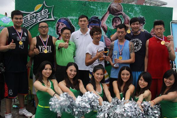 雪碧3v3篮球赛MAX队上海区夺冠 章文琪出席颁奖