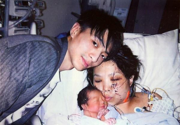 一名怀孕八个月的孕妇 高清图片