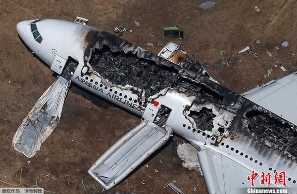 一架韩亚航空波音客机在美国旧金山失事