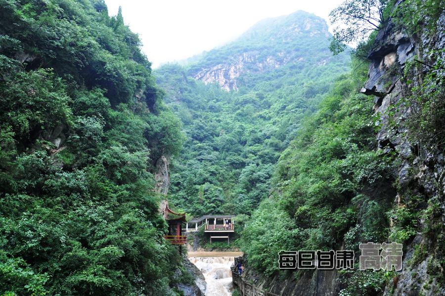 国家aaaa级景区,甘肃省十大名胜风景区,陇南市十大名牌风景区.