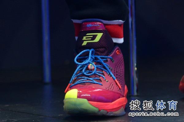 组图:保罗最新战靴 jordan