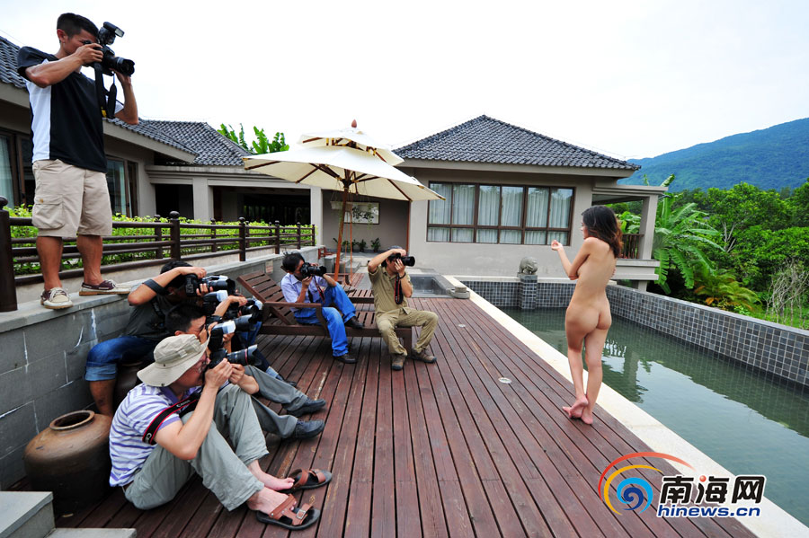人体艺术网6789_美丽海南人体艺术摄影第三期:模特展现精灵气质