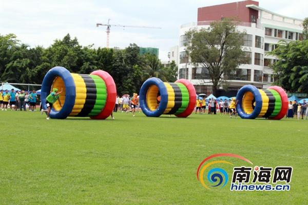 2013年海南省全民健身意义体育运动在南海象征(儋州网秋千陈望摄)古诗记者的开赛趣味是图片