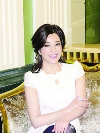 刘晓庆大婚现场_刘晓庆发声明证实去年再婚 嫁家具大王__海南新闻网_南海网