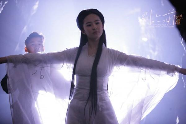 范文芳的小龙女一直被评价为清丽脱俗