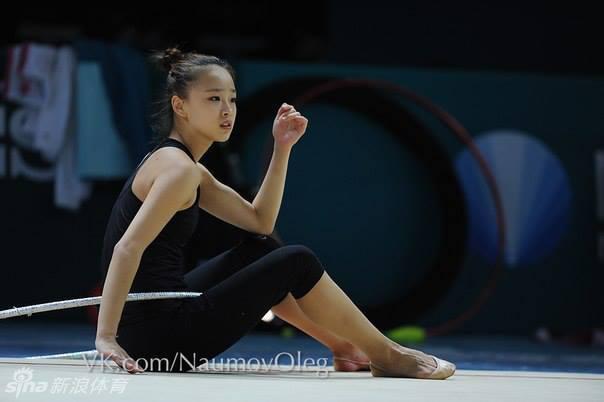 大奶子萝莉人体艺术_孙妍基辅备战体操锦标赛 19岁韩国\