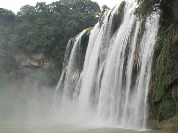 黄果树瀑布景区景色怡人.高清图片