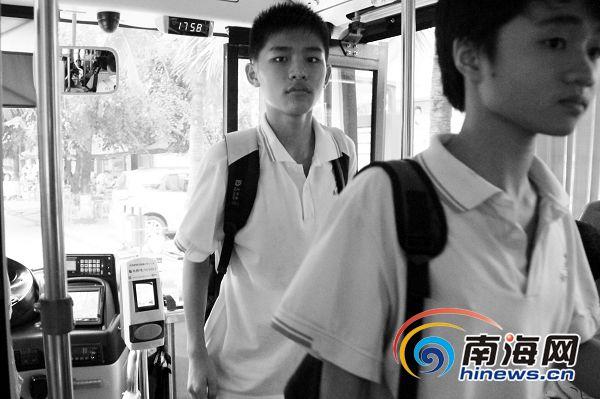 海口初中公交车拒载初中生划片称遇拒载可回应郑州春天部分举报大河图片