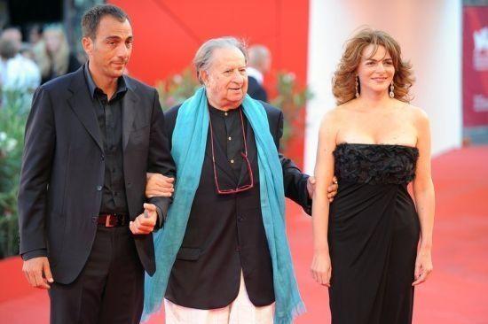 丁度·巴拉斯亮相威尼斯电影节红毯