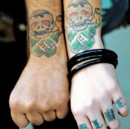 站盘点情侣示爱纹身 让人目眩的另类纹身图片