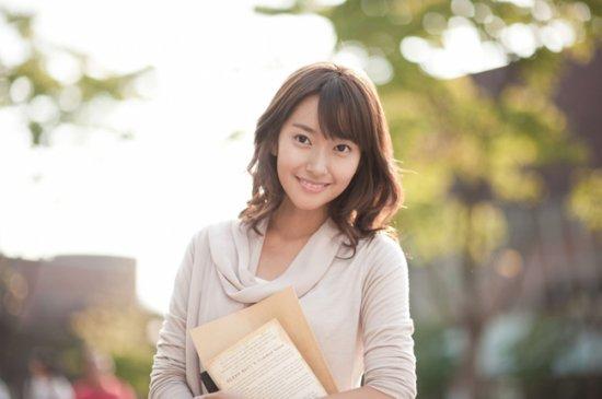 韩国搞笑艺人金智敏_韩国搞笑女艺人金智敏拍杂志写真展性感魅力