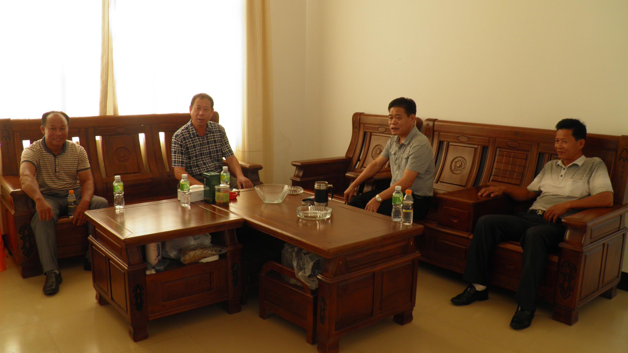 县热作局家具来到隆广指导菠萝蜜局长栽培工作产业有限公司沃华图片