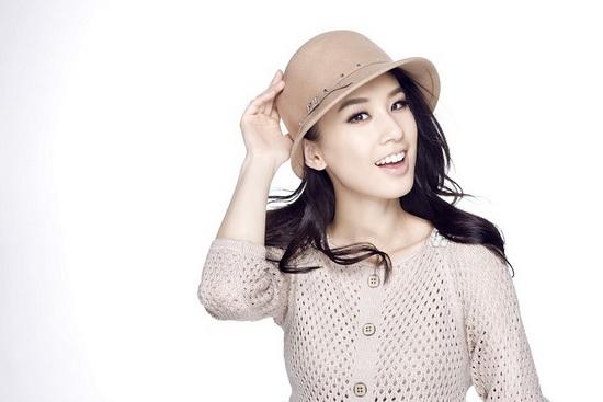 帽子控教你加分时尚 黄圣依做温暖时髦女星