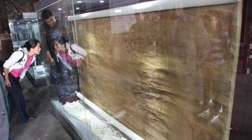 北京 慈禧/近日,河北遵化清东陵保护区首次展出了慈禧陵中陪葬的织金...