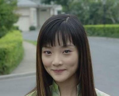 李小璐变了太多,小时候看她的小护士时候觉得她很可爱.