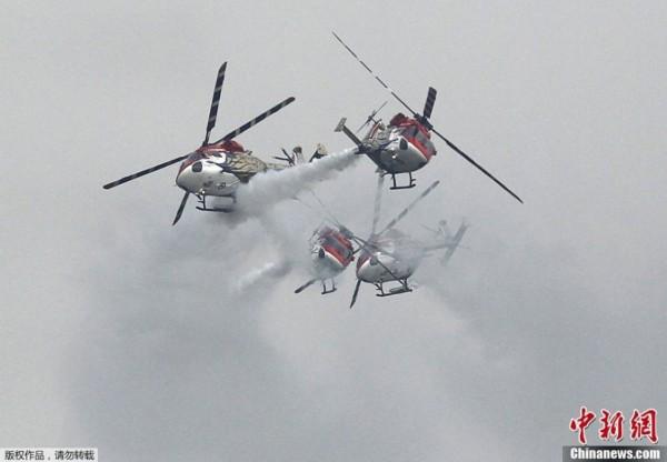 混搭!印度c-17运输机与苏30mki战机编队飞行
