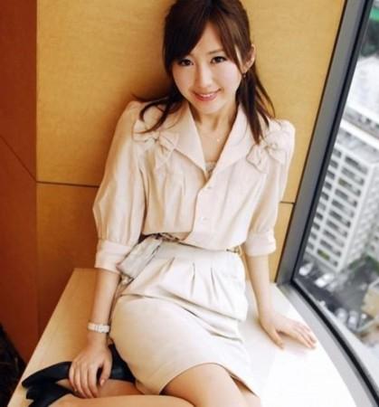 日本最美女议员转行做女优 全裸艳照高调献身情色业(组图)