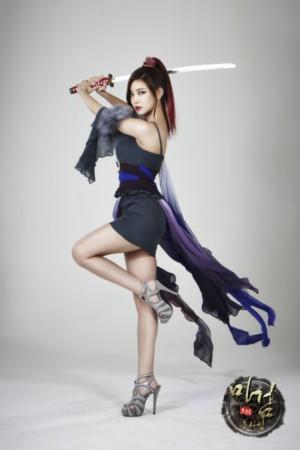 韩星ns允智拍写真 扮游戏美女秀性感身材