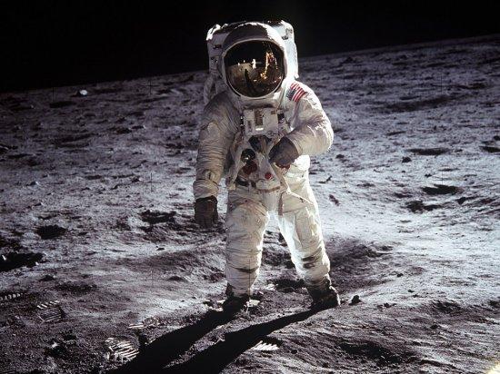 就在月球背面!(图)