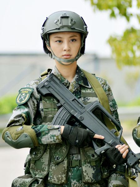 《我是特种兵3》:娇弱美女变身女特种兵(图)