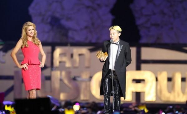 2013MAMA亚洲音乐颁奖典礼高清大图 EXO拿大奖RAIN将复出