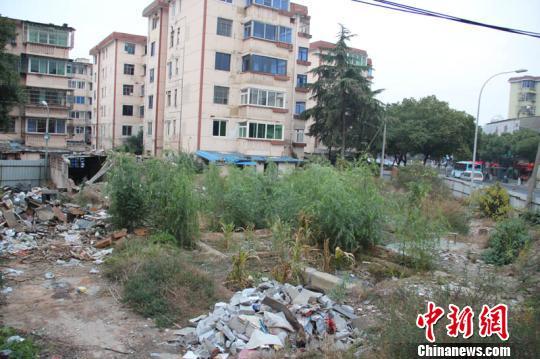 林波)2012年12月16日中午12时10分,浙江省宁波市江东区徐戎三村2幢楼