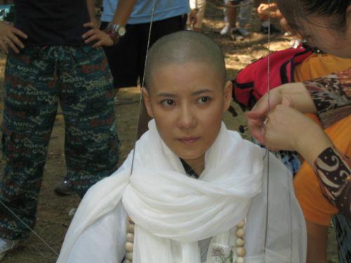 武林第一美女阿九变成了九难师太