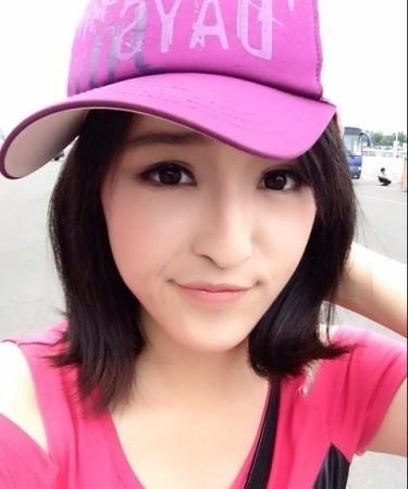 央视体育频道新晋美女主播走红 清纯可爱胜奶茶妹妹