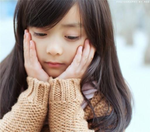 5岁小萝莉萌翻网友 中外娇娃大PK|八卦娱乐 -