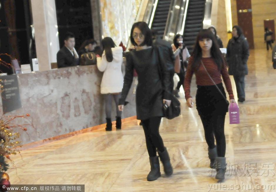 戚薇/2013年12月20日讯,上海,日前戚薇现身某酒店。...