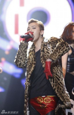 BIGBANG圣诞上海开唱大秀中文:GD权志龙自