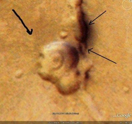探秘:火星上各种诡异笑脸与酷似外星基地物体