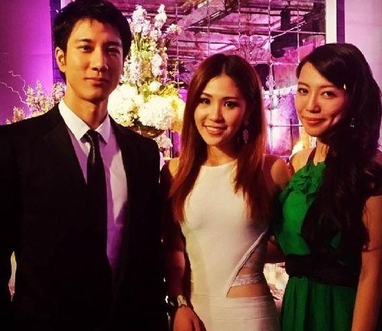组图:吴建豪新加坡补办婚礼 王力宏携妻子到贺