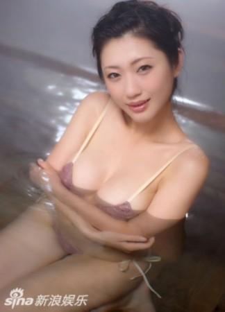 日本 写真 女王/媒体评十大扛鼎流量写真女优坛蜜