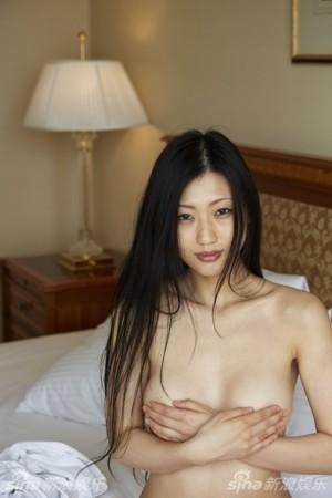 日本 全裸写真/媒体评十大扛鼎流量写真女优坛蜜