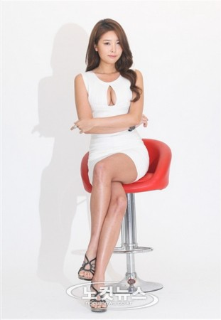 韩国前美女车模街头梦露式走光爆红