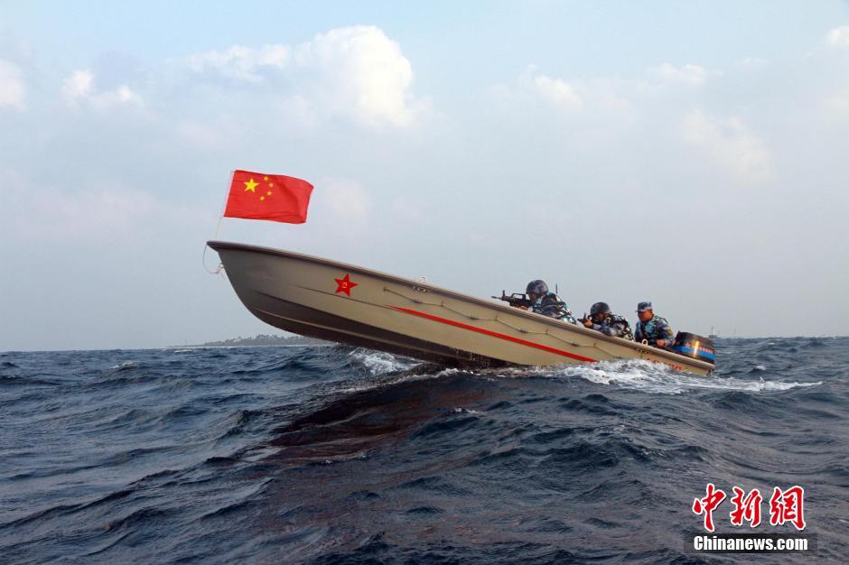 南海舰队远海训练编队巡航西沙