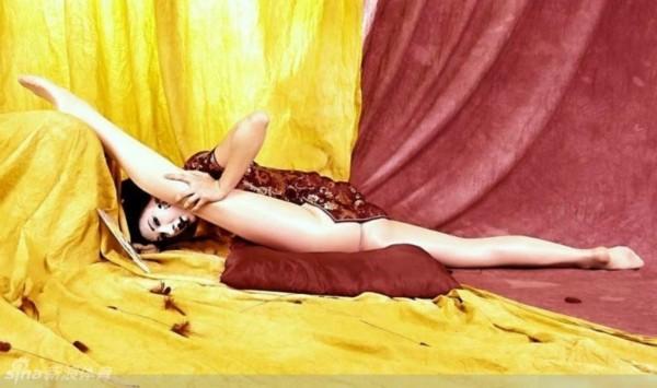 其性感的身材更是; 俄罗斯美女秀柔术图片展示下载