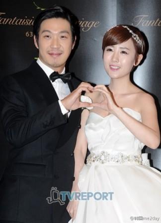 刘在石 尹恩惠/2012年11月30日,HAHA与女歌手星(金高恩)举行婚礼...