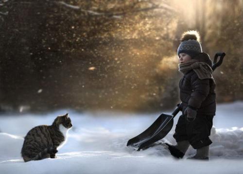 孩子与动物的纯真画面,俄罗斯女摄影师记录儿子成长瞬间.