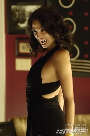 美国29女子嗜血成性无血不欢盘点十大美女吸血鬼