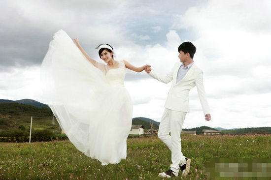 明星婚纱照_大牌明星婚纱照张柏芝李嘉欣刘嘉玲谁是最美