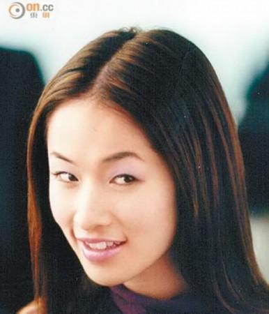 萧亚轩承认自己割双眼皮