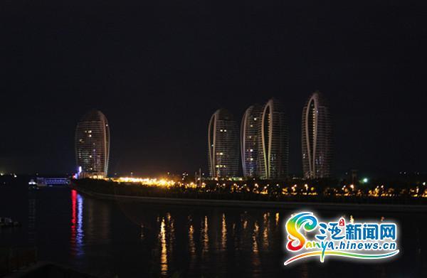 三亚凤凰岛景观灯关闭(三亚新闻网记者刘丽萍摄)