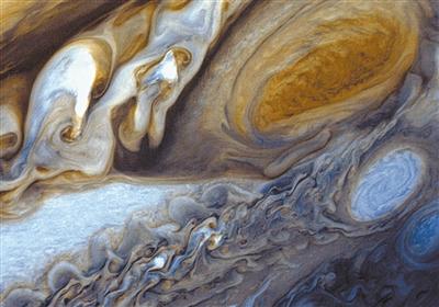 大红斑是一种强风暴,是地球大小的3.5倍,位于木星南半球.