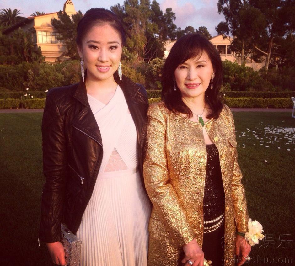 吴建豪同母异父妹妹私照曝光 曾参加亚洲小姐 图