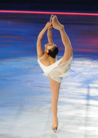 昨日在东京国立代代木竞技场参演冰上节目后,浅田真央,羽生结弦获得了