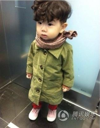 韩国小正太曝第二波萌图 单眼皮喜感可爱挡不住