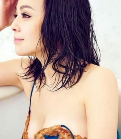 导演让女星带假胸拍洗澡戏